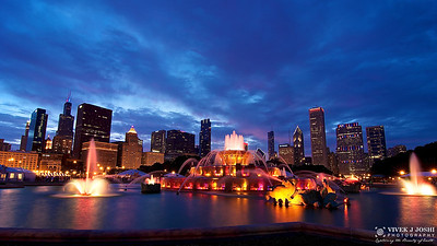 A Beautiful Sunset View of Buckingham Fountain
